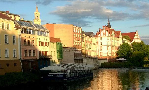 First in Poland – DeSilva Premium